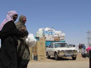 Antes de subir al barco rumbo a Sudán