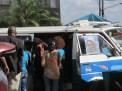 Las combis, el principal medio de transporte en Addis Ababa, Etiopía