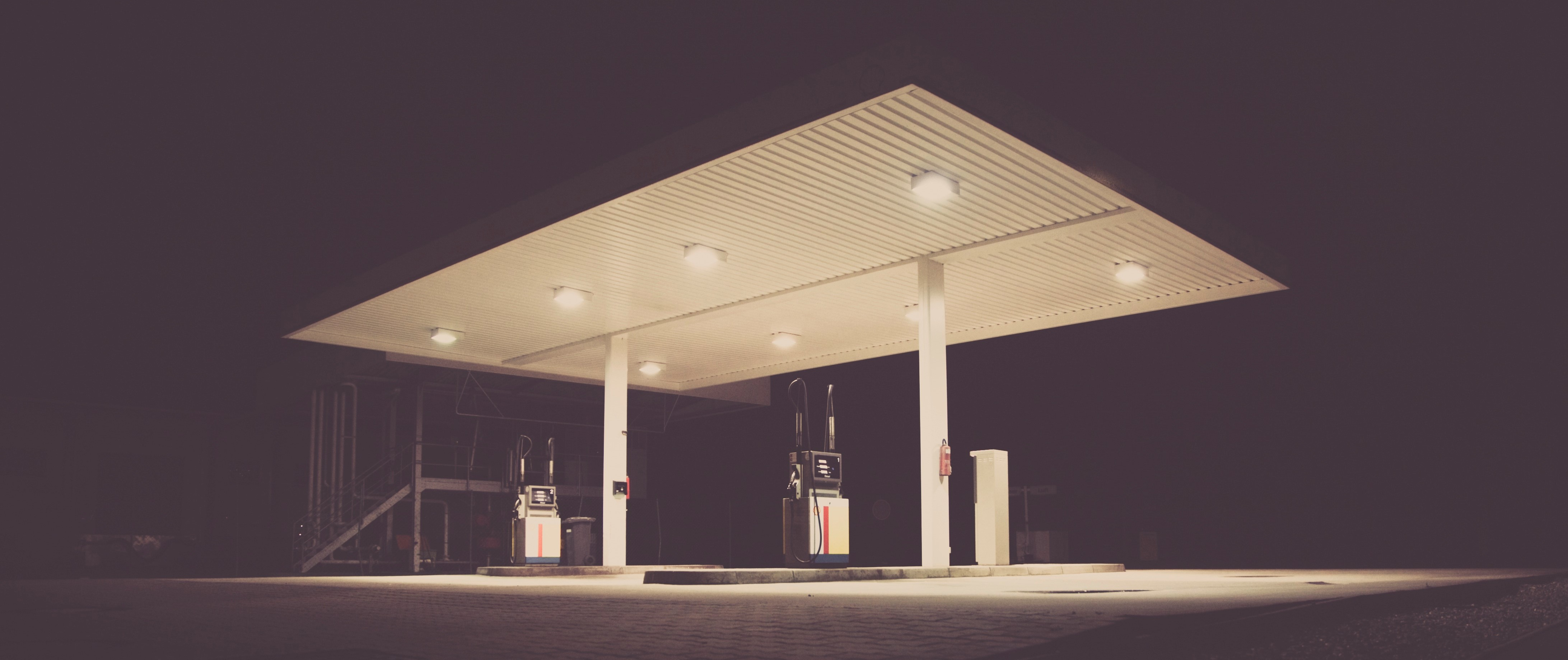 gas-station_cold-comfort_long