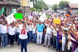 Respaldan ciudadanos candidatura de Letty Flores, para ser la primera alcaldesa de Acatlán