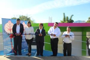 Entregan aula para escuela Francisco J. Múgica de Huatusco