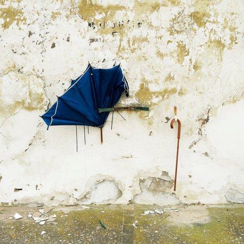 """El viejo paraguas roto"" - Manu Ruhe - 220515"