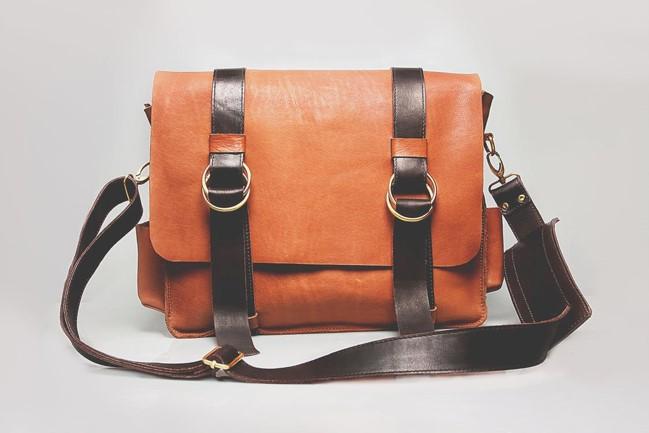 Buy Delsey luggage in Suma Miles and Aerolíneas Plus