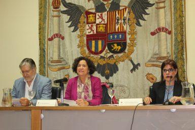 Inauguración Simposio 2019, Rectora Pilar Aranda, Decano José A. Pérez Tapias y Milena RodríguezTapias-y-M-Rodriguez.jpg