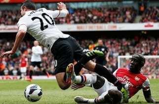 Van Persie provocó el penalti