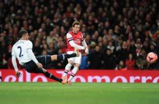 Un enorme Arsenal se lleva el derbi de Londres