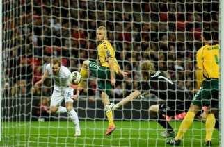 Harry Kane se une al club de los debutantes con gol