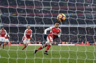 Alexis Sánchez salva al Arsenal en el descuento