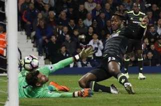 Batshuayi hace campeón de Premier League al Chelsea