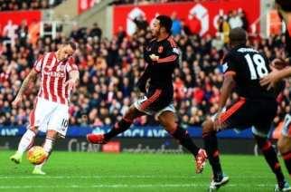 Stoke – Manchester United: el líder quiere pleno de victorias