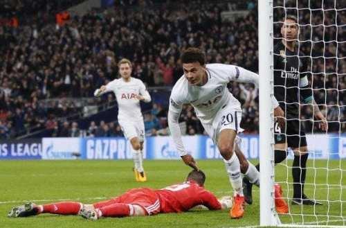 El Tottenham entra en los octavos por la puerta grande