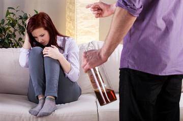 Если муж избил жену какая статья. Меры противостояния домашнему насилию, или что делать, если избил муж
