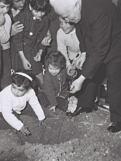 בן גוריון נוטע 1963