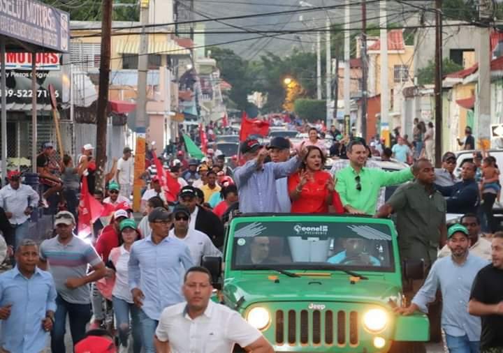 Leonel resalta gran apoyo durante recorrido por el sur  en apoyo a candidatos municipales