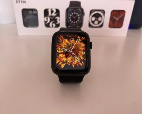 Smartwatch DT100 Negro con fondo 3D de fuego