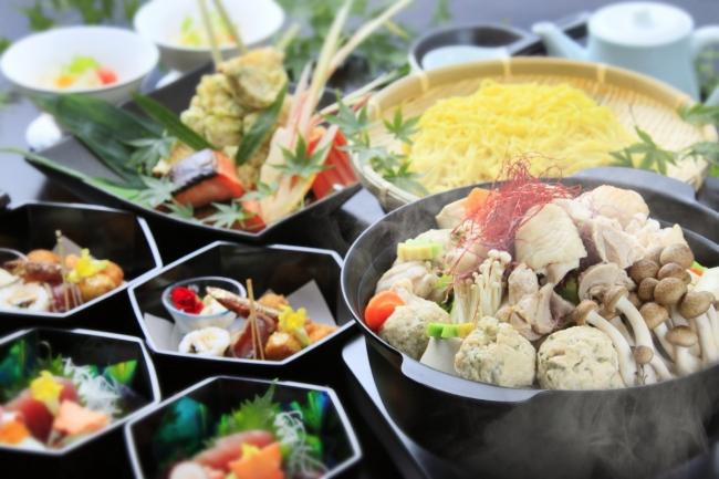 身体に優しく秋の味覚を愉しむコラーゲンたっぷりの鶏白湯鍋コース