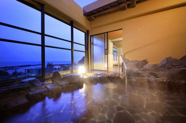 駿河湾を望む絶景の露天風呂