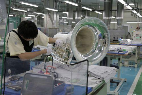 ヤマハ豊岡工場での管楽器生産の様子(イメージ)