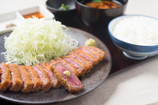 「牛ロースカツ膳(並)」:1,278円(+税)