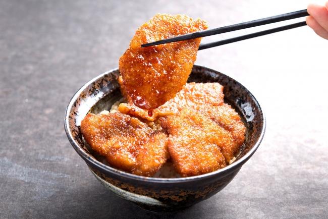 牛たれカツ丼:890円(+税)