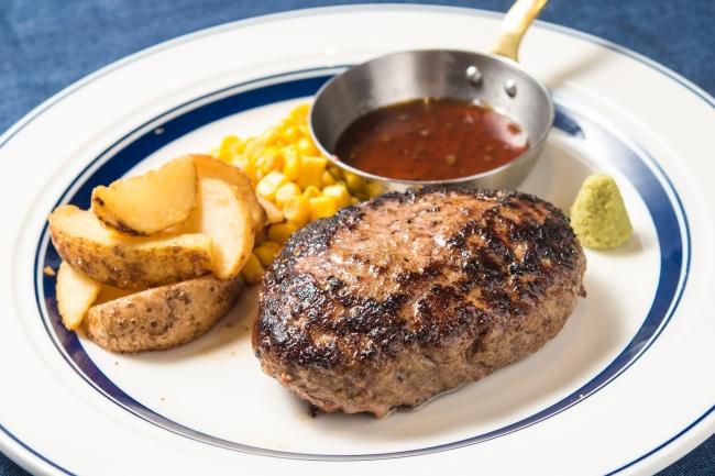 創業以来人気の熟成牛ハンバーグ。溢れる肉汁は、手ごねならではの醍醐味。