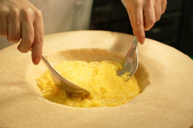 〔ランチ&ディナー〕リゾット・ア・ラ・ミラネーゼ チーズ樽仕上げ