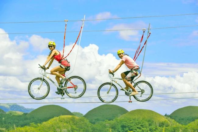 空中自転車綱渡り「コギダス」