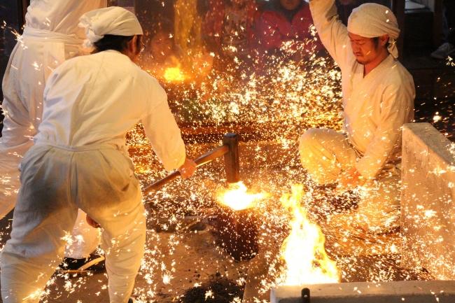 鎌倉時代から続く関の刀剣 写真提供:関市役所