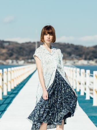 『組曲』×『JUN OKAMOTO』              ワンピース(OPWXYM0412)¥28,080 (税込)       スカート(SKWXYM0412)¥25,920 (税込)