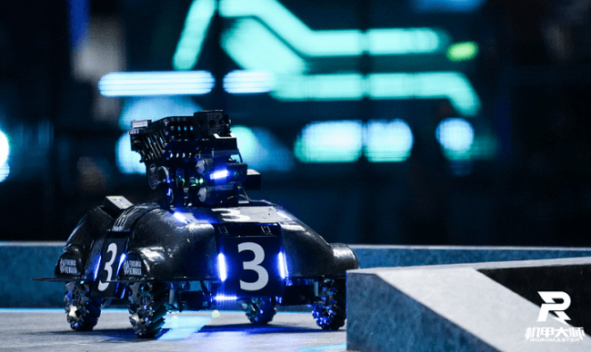 2019年の日本代表チームFUKUOKA NIWAKAの歩兵ロボット
