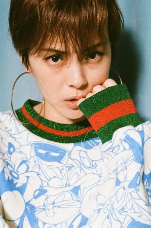 Looney Tunes  x little sunny bite print glitter sweater ¥16,800(税込)