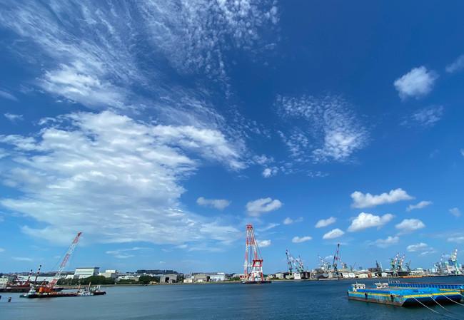根岸湾に面しているので、 海や行き交う船などが眺められます。