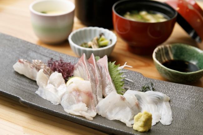 「玄海 若潮丸」の「刺身定食」(1620円)