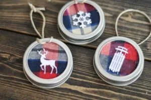 mason-jar-lid-ornament-5-700x465