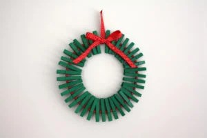 wreath-clothespins