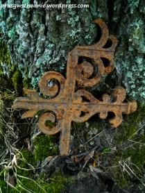 Sąkieły Małe/Klein Sunkeln (d. Kreis Angerburg) 2016. Fragment cmentarnego ogrodzenia.