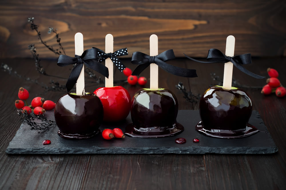 caramel-apples-dark-caramel-dipped