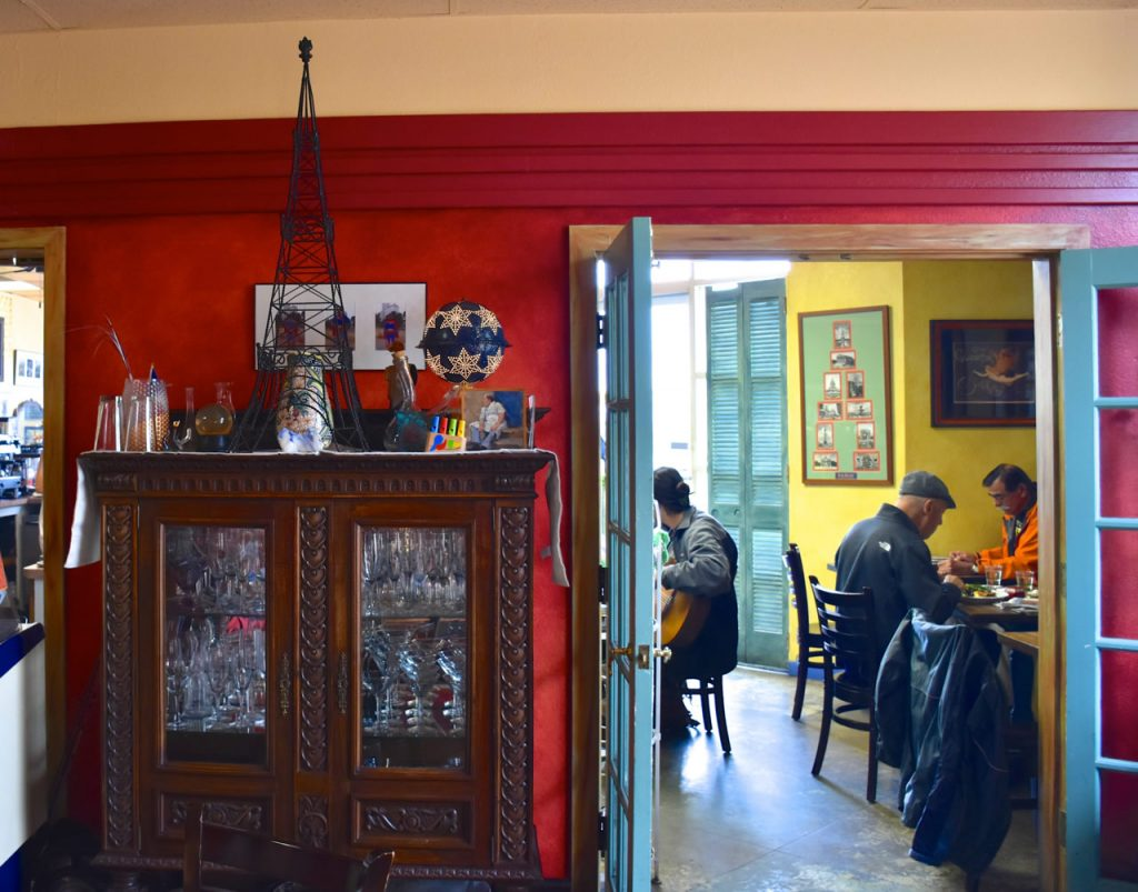 water-street-bistro-indoor-cafe-rear-section