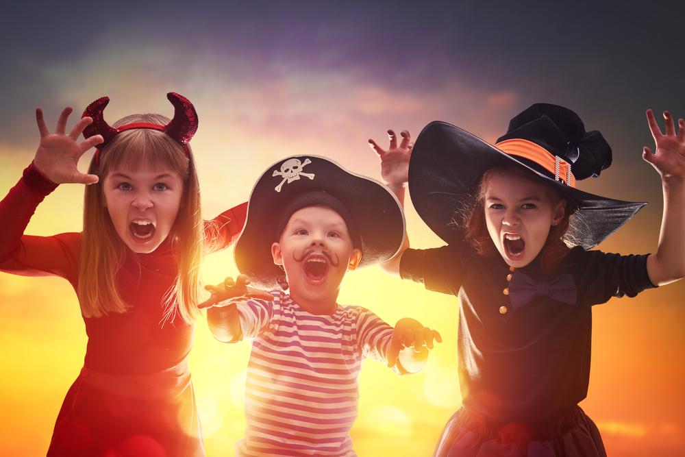 Halloween History - children in costume