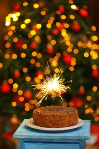 Holiday Grinch - birthday-cake-during-holidays-with-sparkles
