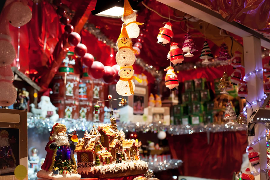 Holiday Grinch - holiday-display-with-ornaments-in-store-front-window