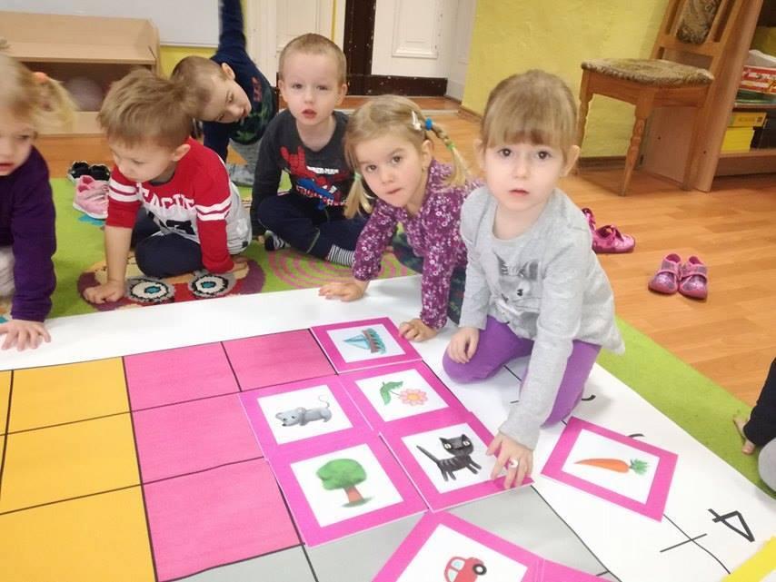 Zabawy 3 Latków Z Matą Edukacyjną Czyli Kodowanie Na Dywanie