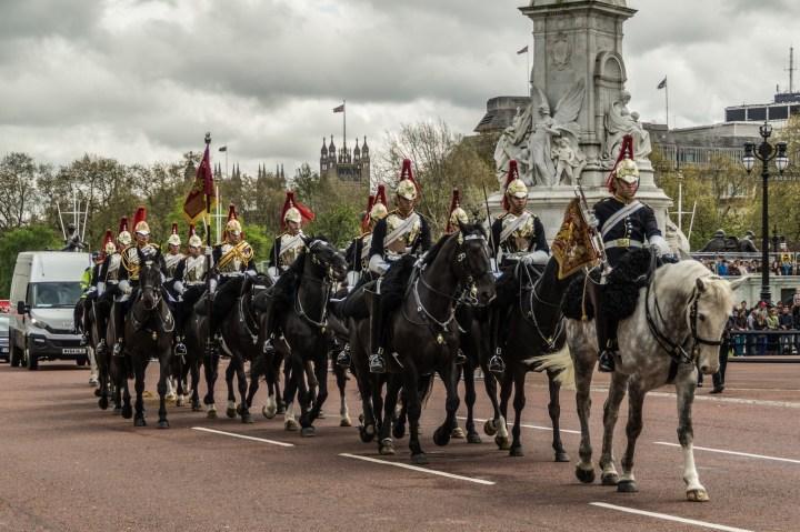 Londyn - Buckingham Palac, parada