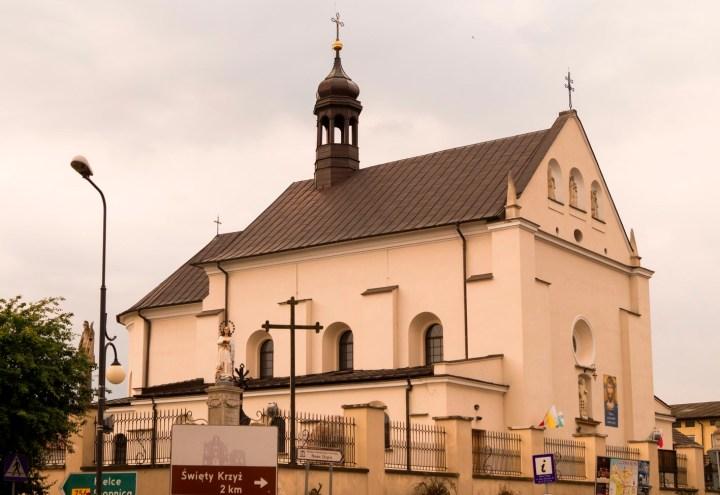 nowa słupia kościół murowany