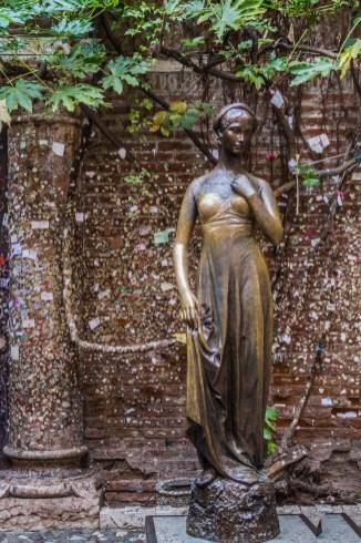 Dzień w Weronie - pomnik Julii