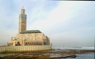 Casablanca - Meczet Hassana II na tle oceanu