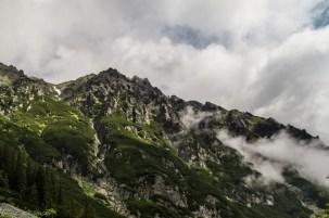 Tatry - w Dolinie 5 Stawów Polskich, widok na Opalony Wierch
