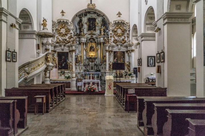 nawa w kościele barokowym