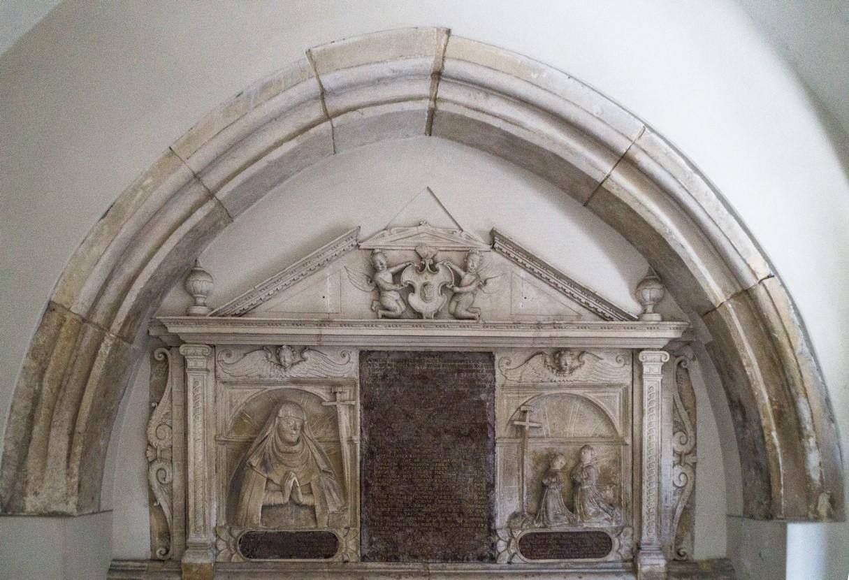 Pińczów - kościół św. Jana Apostoła i Ewangelisty