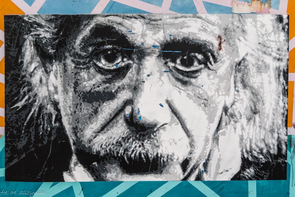 Częstochowa - kładka nad torami street art
